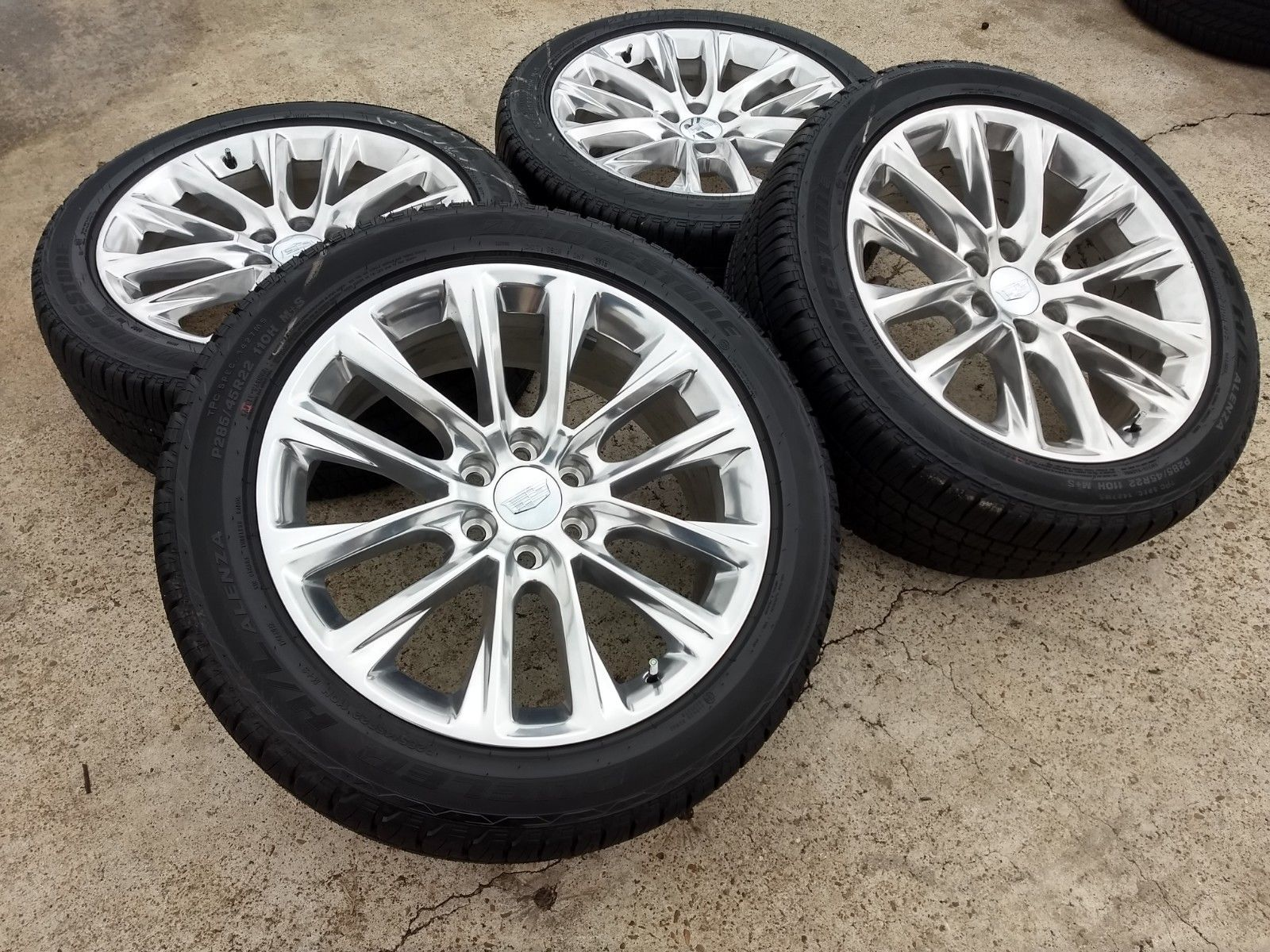"22"" Cadillac Escalade 2019 OEM wheels"