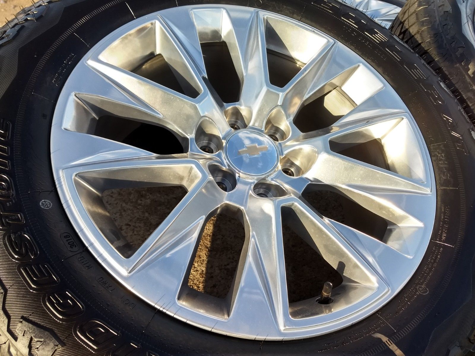 "20"" Chevy Silverado 2019 OEM wheels"